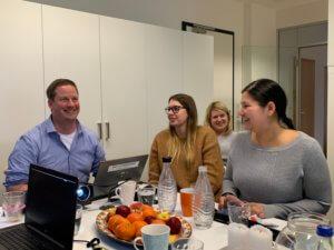 Teammeeting in München: Spaß bei interner Schulung