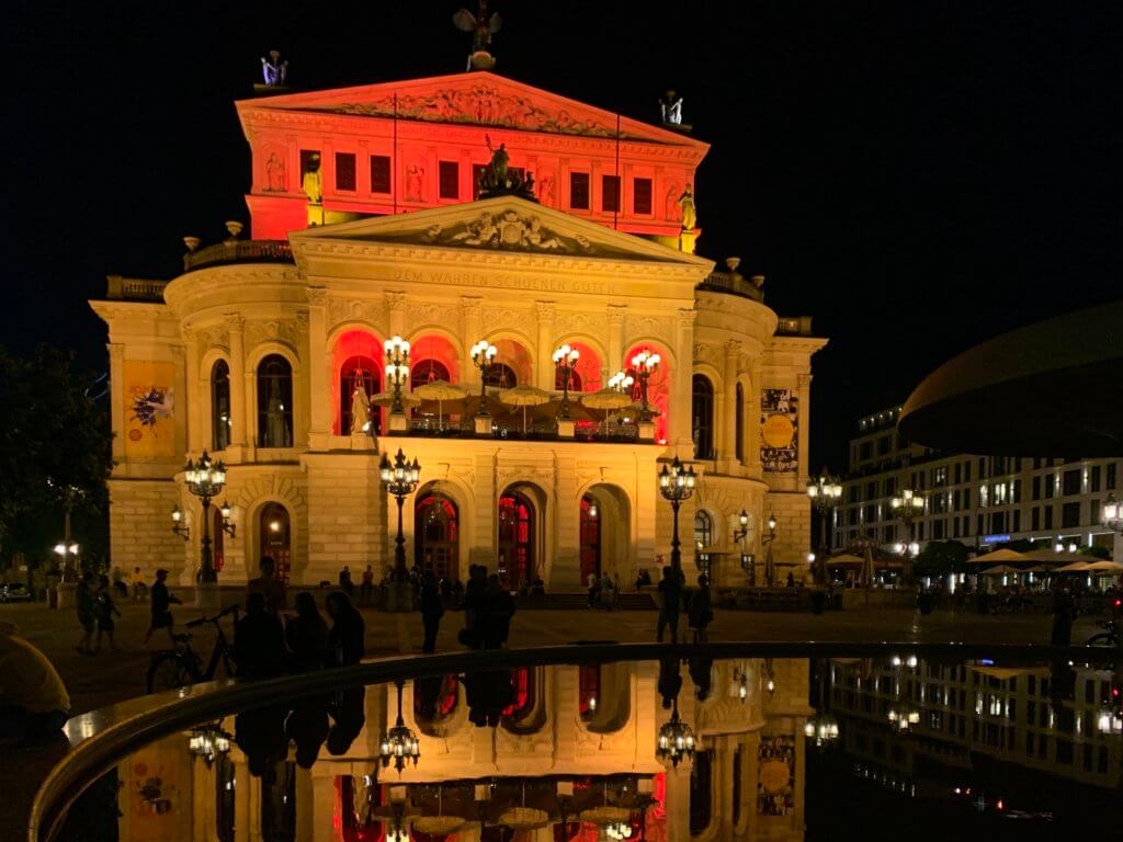 Night of Light 2020 - Hilferuf der Eventbranche - justZARGEScommunicate an der alten Oper in Frankfurt